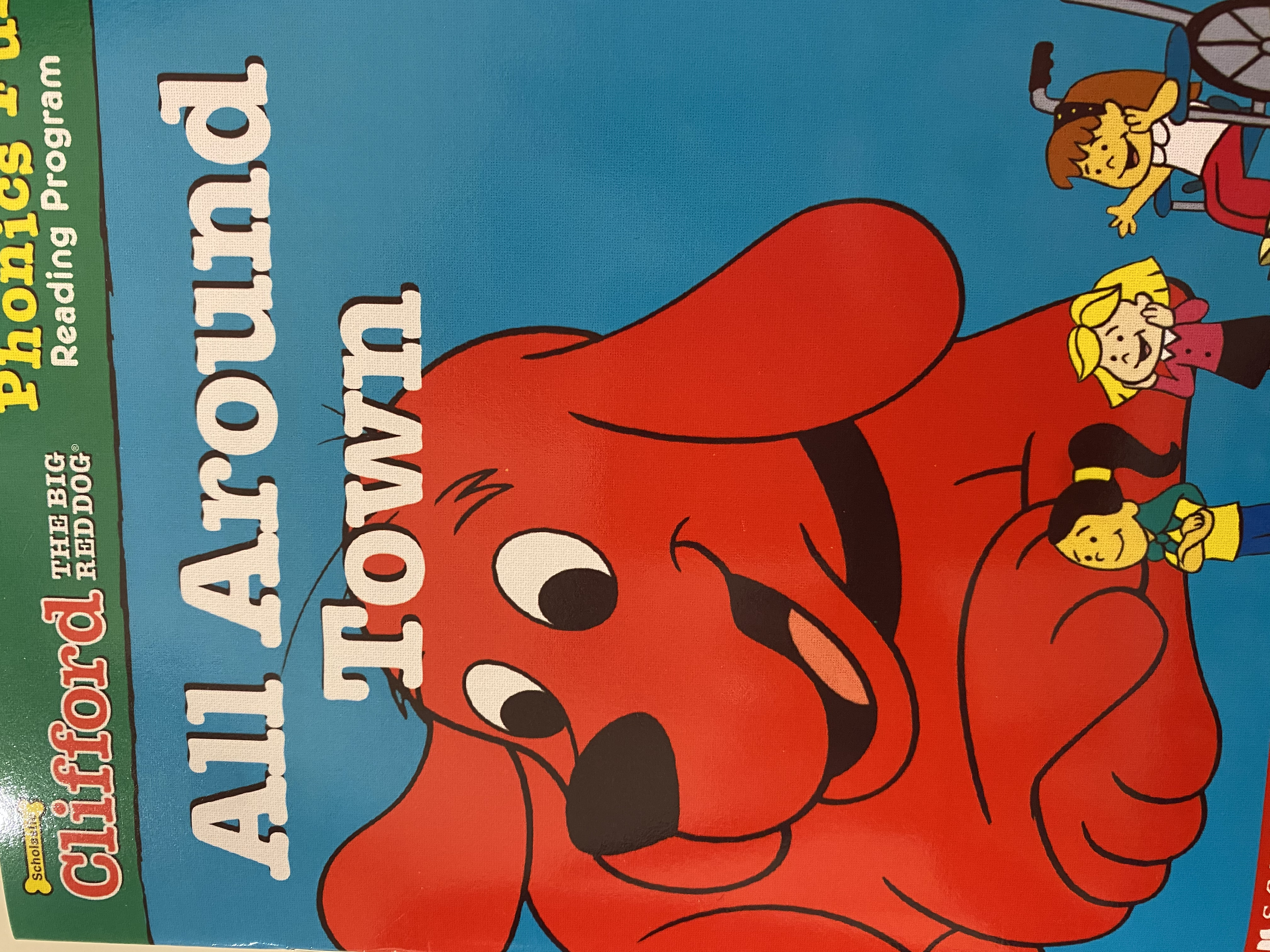 S3-127/ all around town/ Clifford the big red dog/ pack 4