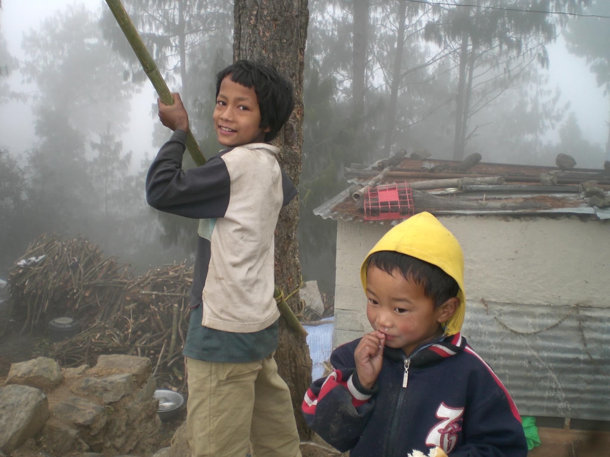 遇到尼泊爾可愛的小路霸