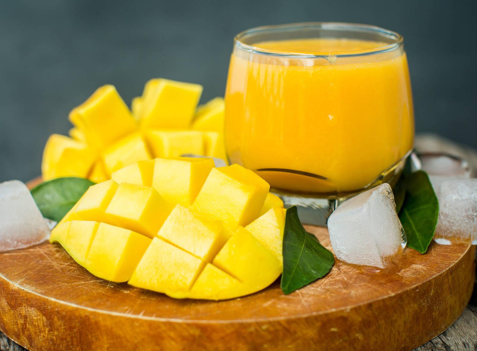 芒果--「吃了像激情的吻,氣息迴盪在口腔幾乎能鼓舞一整天的精神意志。」